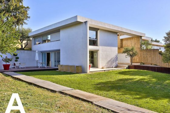 achat-vente-maison-architecte-arles-nimes-immobilier-insolite-les-archineurs