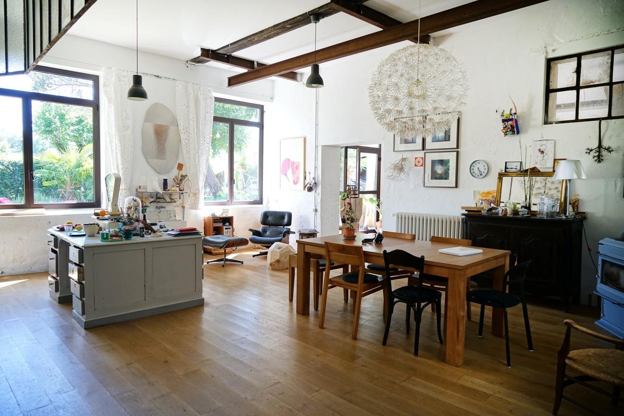 achat-vente-maison-d-artiste-gite-rocamadour-immobilier-insolite-les-archineurs
