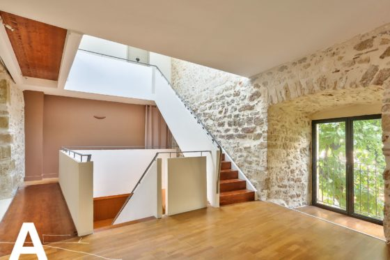buy-sell-stone-house-real-uzes-nimes-real-estate-les-archineurs