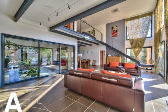 escalier-insolite-decoration-les-archineurs-immobilier-insolite