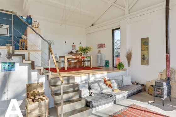 buy-sell-french-real-estate-mas-and-loft-in-camargue-arles-les-archineurs-immobilier-insolite