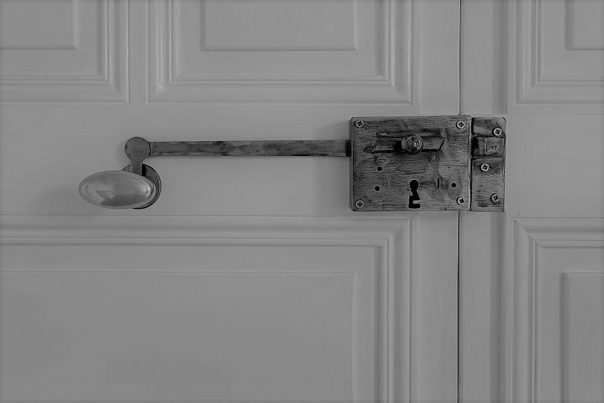 achat-vente-maison-en-pierres-vergeze-gard-immobilier-insolite-les-archineurs